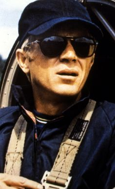 Steve McQueen born on March 24, 1930, in Beech Grove, Indiana.He died on November 7, 1980, in Ciudad Juárez, Mexico.