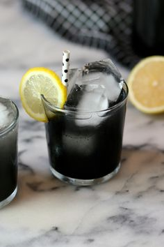 I know.  You don't even have to say it.  We're smack in the middle of fudge-making and cookie-swapping and I come trampin' in with a giant pitcher of lemonade. And not just lemonade but ominous, li