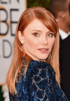 Bryce Dallas Howard presenter at the 2016 Golden Globe Awards rocked a pair of ombré orange gemstone and diamond earrings, which were a bold choice with her black and blue Jenny Packham gown. Redhead Hairstyles, Celebrity Hairstyles, Men's Hairstyle, Funky Hairstyles, Formal Hairstyles, Wedding Hairstyles, Jessica Chastain, Blake Lively, Brice Dallas Howard