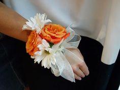 DIY Wedding Crafts : DIY: Prom Corsage