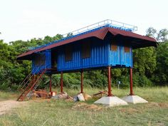 One of the most the most popular methods of creating a tiny house is using old shipping containers.The average shipping container shell can be purchased for as low as $1,000–$2,000.  Industrious homeowners are taking these cold, foreboding blocks and ingeniously transforming them into creative, fun abodes.He Spent $2,000 On This Blue Box For A New Home. Sounds Crazy Until You See The Results.Though the cost to customize them and make them habitable can start to add up, many people find that…