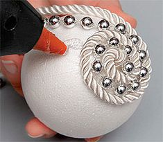 Decorated Ball Ornament Free Christmas ornament pattern with instructions