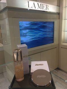 Edición limitada en La Mer, the body shimmering oil y the bronzing powder. #lamer #unlujocontigo #linkenbio #blogmoda #beauty