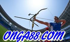 These myths about archery will have you second guessing what you know - and smiling, too. Archery Arrows, Archery Hunting, Bow Hunting, Takedown Recurve Bow, Recurve Bows, Archery World, Archery Range, Longbow, Traditional Archery