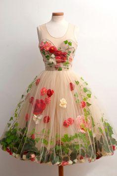 So utterly romantic... Dress by Chotronette, Silvia Chiteala and Laura Cazacu, Iasi, Romania.