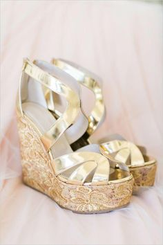 76acf114efb79b Classy Ranch Wedding in Gold and Pink