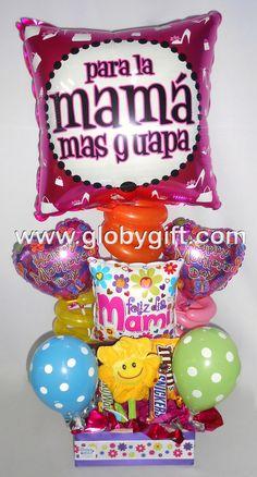 Arreglo con globos, peluche y chocolates para regalarle a mamá este Día de las Madres