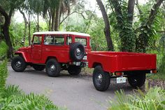 Estella, our 1982 Land Cruiser FJ43, with our custom FJ Trailer.