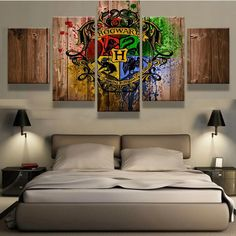 Hogwarts Badge on Wood Canvas Set