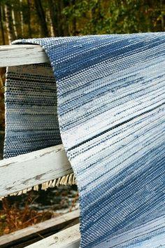 Carpet Runners For Sale Melbourne Key: 7533096695 Weaving Tools, Weaving Art, Loom Weaving, Hand Weaving, Diy Carpet, Rugs On Carpet, Braided Rag Rugs, Rug Inspiration, Stripes