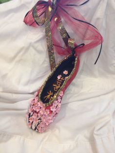 Chinese decorated pointe shoe