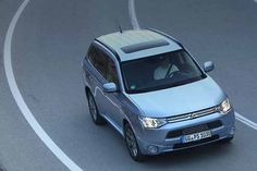Mitsubishi Outlander, Outlander Phev, Automobile, Cars, Vehicles, Chile, Top, Drive Way, Car