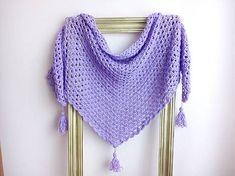 levoncia_levon / Háčkovaná šatka so strapcami Crochet, Fashion, Moda, Fashion Styles, Ganchillo, Crocheting, Fashion Illustrations, Knits, Chrochet