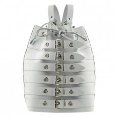 LONDON WHITE ロンドンベルト・ディサイン本革白色リュックは今週の新発売アイテムです。バッグ ベルト リュックサック バックパック バケットバッグ 白 本革