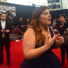 Mary Lambert on the AMAs red carpet!