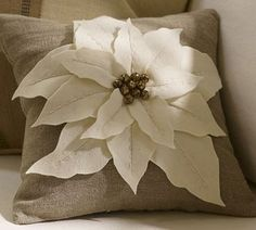 white poinsettia pillow tutorial.