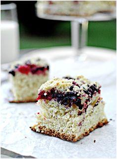 Ciasto drożdżowe z owocami lata i kruszonką || Yeast Cake