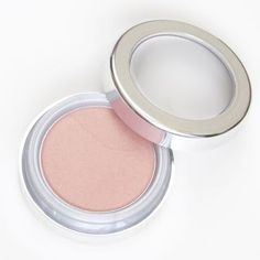 This La Bella Donna is a perfect multi-purpose cream to blush and highlighting blush. I absolutely love adding this to my look. You will too!