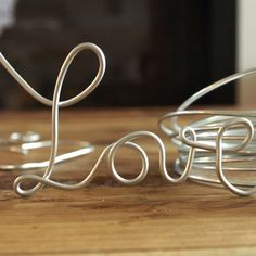 A step-by-step tutorial to guide you through making these lovely wire words.