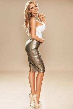 Tight dresses and skirts for tight pleasures