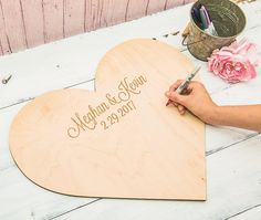 15 amazing wedding guest book ideas - Cute keepsake | CHWV