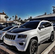 "Get terrific pointers on ""jeep compass"". They are actually offered for you on our web site. Jeep Jk, Jeep Garage, Jeep Truck, Grand Cherokee Lifted, Grand Cherokee Trailhawk, Jeep Trailhawk, Srt8 Jeep, Jeep Grand Cherokee Accessories, Casablanca"