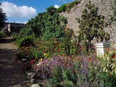 A few of Ireland's most beautiful gardens.  #Ireland #Irelandtravel