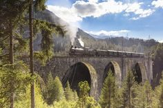 Old Rhatische Bahn - Few times a year this legendary train back on the road to the valleys of the Grisons region. The crossing of Wiesen Viaduckt is one of the most spectacular and exciting of the trip.