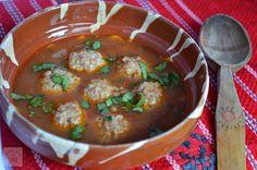 CAIETUL CU RETETE: Ciorba de perisoare Romanian Food, Curry, Cooking, Ethnic Recipes, Soups, Lifestyle, Awesome, Places, Baking Center