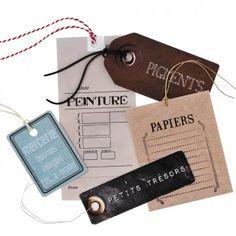 des étiquettes en papier en trompe l'œil pour étiqueter tout son matériel de loisirs créatifs dans l'atelier