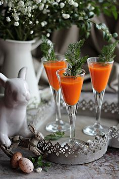 HÚSVÉTI RÉPA SNAPSZ ~ Lidl, Give Thanks, Panna Cotta, Alcoholic Drinks, Cookies, Table Decorations, Ethnic Recipes, Travelling, Food