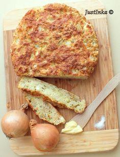 Chlebek cebulowy z serem feta