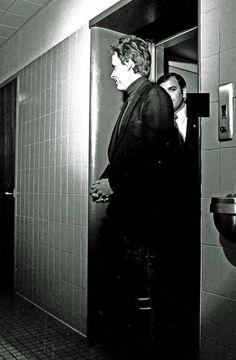 Ted Bundy, I Cant Sleep, Serial Killers, True Crime, Mug Shots, Handsome, History, Community, Frases
