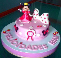 Tarta Princesa Minnie Mouse 1 | De Perla's | Tartas fondant personalizadas en Málaga
