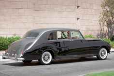 James Young Rolls-Royce Phantom V Limousine 1962 Classic Rolls Royce, Vintage Rolls Royce, Rolls Royce Limousine, Rolls Royce Corniche, Bentley Rolls Royce, Rolls Royce Phantom, Benz Car, Dream Machine, Old Pictures
