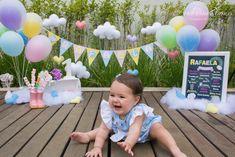 SMASH THE CAKE - Rafaela | Chuva de Amor - São Paulo Baby Cake Smash, Baby Party, Party Cakes, Ideas Para, First Birthdays, Matilda, Baby Shower, Umbrellas, Photo Shoot