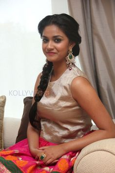 Keerthi Suresh Actress Keerthi Suresh at Rajini Murugan Event. More Pictures at http://www.kollywoodzone.com/cat-keerthi-suresh-7091.htm