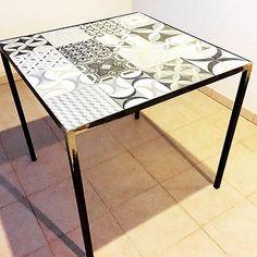 Tavolo-artigianale-in-ferro-metallo-piastrelle-cementine-80-x-80-tavolo