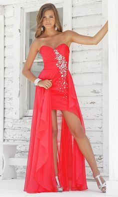 STRAPLESS SWEETHEART HIGH-LOW DRESS