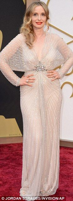 Perfect in pales: Laura Dern wore clinging cream Alberta Ferretti, Julie Delpy stunned in Jenny Packham
