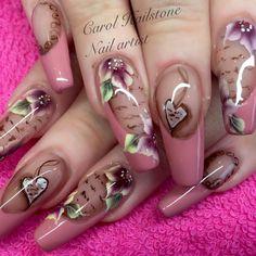 """""""#acrylicnails#vintagenailart#vintagenails#nailporn#nailart#nailartist#nailsoftheday#carolhailstonenails#scratchmagazine#onestroke#onestrokenailart#glitznglamwidnes#brillbird_official#brillbirdmerseyside#nailsjobsinsta"""""""