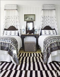twin beds black and white bedroom