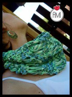 Colores primaverales, cuellito tejido a mano en colores de mar. suave y liviano, para el verano
