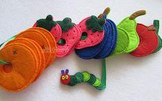 Materiali poveri per giochi ricchi: Tutti i bruchi diventano farlalle Craft Activities For Kids, Crafts For Kids, Knitting Toys Easy, Felt Board Stories, Quiet Book Patterns, Sewing School, Felt Quiet Books, Felt Decorations, Felt Food