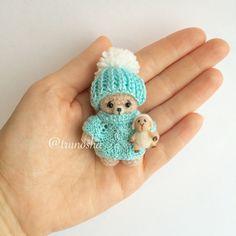 Купить Брошка Мишка с овечкой - мишка крючком, вязаный мишка, мини игрушка, миниатюра