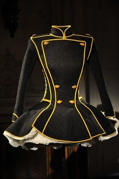 Love this coat. Could be fun for burning man. The yellow piping could be fairy lights.