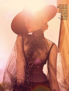 Glamour Girl – Terry Tsiolis captures an ultra-luxe Hailey Clauson for the September issue of Vogue Russia. Outfitted in a mix of billowing dresses and sharp… Fashion Photography Inspiration, Style Inspiration, Editorial Photography, Glamour, Look Fashion, High Fashion, Fierce, Hailey Clauson, Black Sheer Blouse