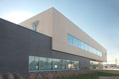 TEXANS YMCA. BRAVE/ARCHITECTURE