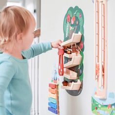 Oribels VertiPlay Wall Toys are specially designed to entertain and delight little ones all while enhancing their development and growth.