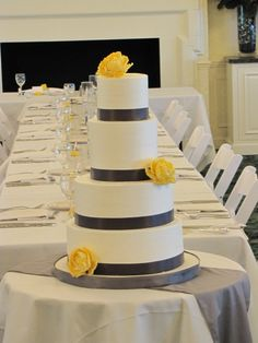 #Yellow Wedding Cake ... Wedding ideas for brides, grooms, parents & planners ... https://itunes.apple.com/us/app/the-gold-wedding-planner/id498112599?ls=1=8 … plus how to organise an entire wedding, without overspending ♥ The Gold Wedding Planner iPhone App ♥